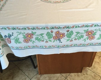 Vintage Dainty large tablecloth
