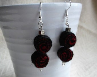 Black and red earrings - felted - goth - drop earrings - felt bead earrings (30)