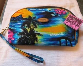 NWT Hawaiian Wristlet Zip Pouch