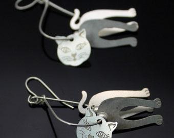 CUTE // Vintage Solid Sterling Silver // Dangle // Playful Kitten Cat // Elongated Hook Earrings