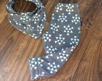 Charcoal with mint triangle leggings and (optiona) bibdana
