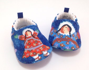 Eskimo Baby Shoes, Soft Sole Baby Shoes, Baby Shower Gift, Toddler Slippers, Barbara Lavallee Alaskan Artist