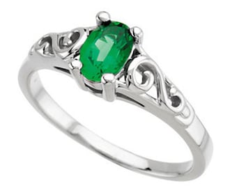 925 Sterling Silver Imitation EMERALD Youth May Birthstone Ring USA 5