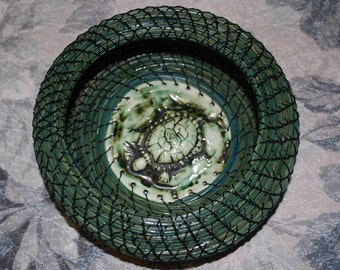 "Pine Needle Basket ""Lagoon Turtle"""