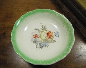 Trellis L Berry Bowl - Green Rim