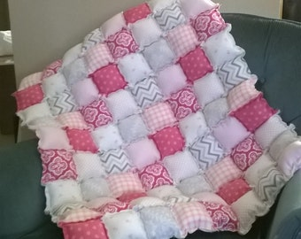 Pink and grey puff floor quilt