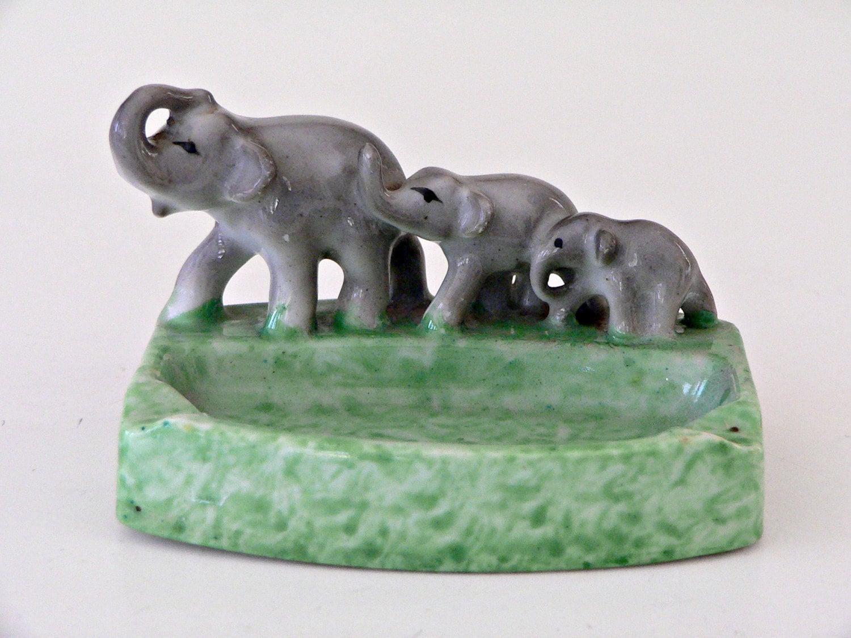 1930 39 s art deco ashtray elephant trio line green. Black Bedroom Furniture Sets. Home Design Ideas