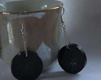 Dangle resin flower earrings