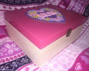 Handmade 'Mum' keepsake / memory box