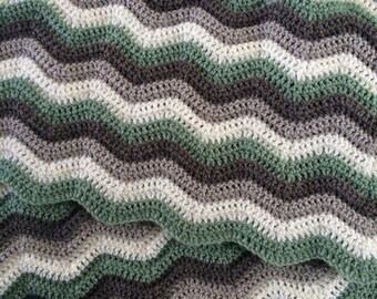 Nature colour crocheted baby chevron blanket
