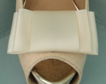 Handmade Large Ivory Bow Shoe Clips - other colours on request