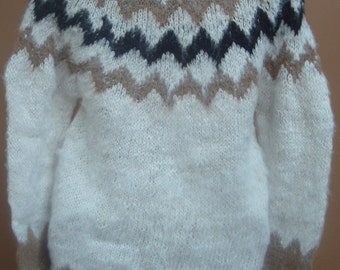New, 100% Alpaca wool, hand knitted, sweater for man, men, rustic, medium size, andean, soft, warm, winter, andes, hand woven, one of a kind