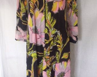 Vintage 1960's Mod Floral Bathrobe silky Housecoat Butterfield 8 Loungewear misses size small