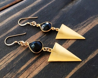 Gold triangle earrings, Geometric earrings gold, Modern gold triangle earrings, Black gold drop earrings, Triangle earrings, Boho earrings