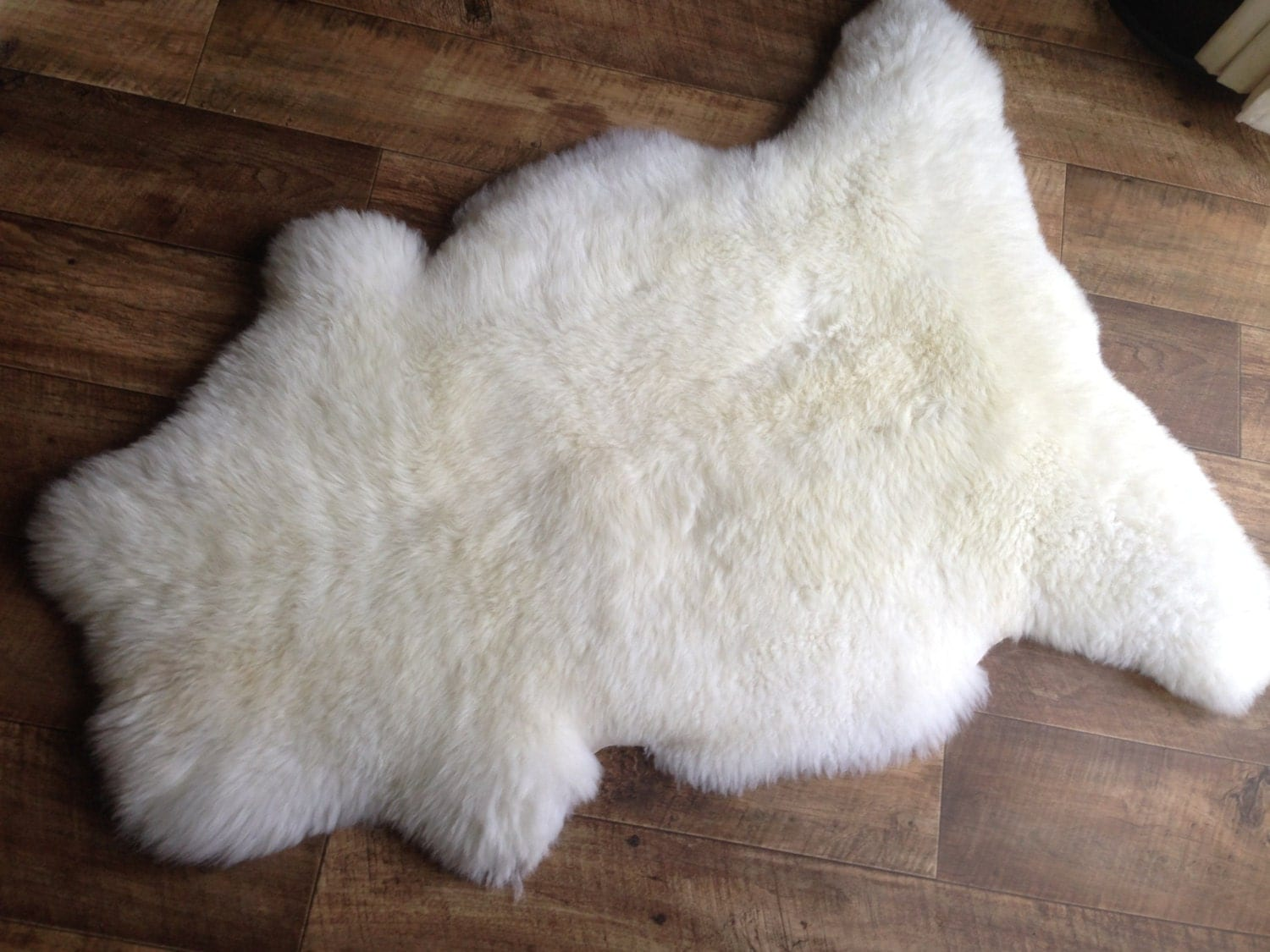 Large sheepskin rug pelt fleece hide thick sheepskin rug for Sheep skin rug