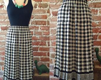 Vintage Black & White Houdstooth Pleated Tea Length Skirt