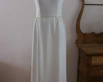 Ivory Full Length Sleeveless 1970s Vintage Formal Dress with Metallic Gold Piping Size 12 Made in Canada M-697