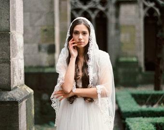 Lace mantilla veil, mantilla veil, lace veil, floor mantilla veil, wedding veil, bridal veil Style V28