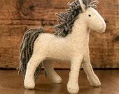 Waldorf horse - Felt horse - Waldorf toy - Ponny - White horse - White ponny