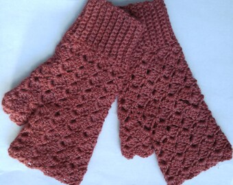 Chile Red Shell Pattern Fingerless Gloves by Nancy