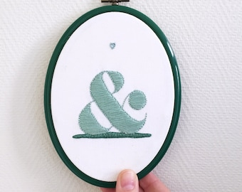 """Hand made frame oval embroidery cotton canvas """"AMPERSAND"""" embroidery"""