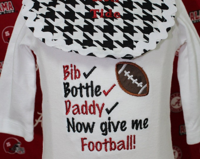 Baby boy Alabama Roll Tide bodysuit, Bama boy bodysuit with detachable bib,Black and white Houndstooth bib, Football bodysuit, Bama