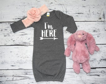 I'm HERE New Baby Girl Infant Gown Take Home Outfit New Mom Hospital Gift Photo Prop Infant Coming Home Outfit Baby Girl Sleeper #001