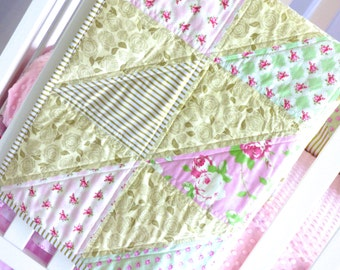 SHIPS TOMORROW! SALE - Cottage roses quilt, shabby chic, gold and pink, glitzy pink