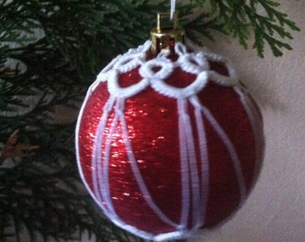 Tatted lace Christmas bauble,Tatted Christmas tree decoration, Traditional Christmas ornament, Victorian decoration