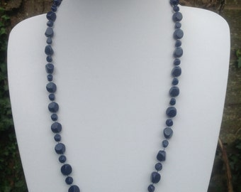 Lovely vintage midnight blue faceted bead necklace