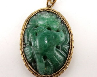 Chinese Export Silver Gilt Filigree Pendant Necklace Carved Green Stone