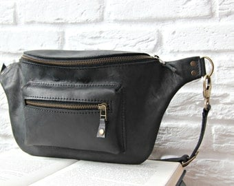 Leather hip bag, fanny pack, waist purse made of leather, handmade, handcrafted, black color