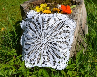 Crochet doily / Lace / White (color Nr.1)/ 16 inches (41 cm)  round D-1