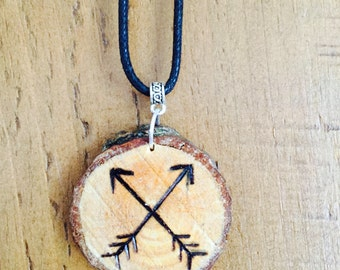 Crossed Arrows woodslice necklace *boho* *travel* *adventure*