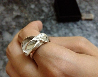 Silver Calla lilly ring
