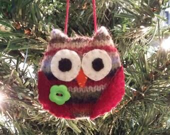 Striped Owl w/green button