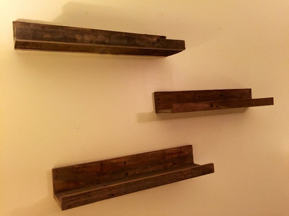 Hanging wood floating shelves wall shelves set of three for Pallet floating shelves