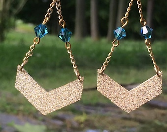 Chain pendant earrings gold and swarovski