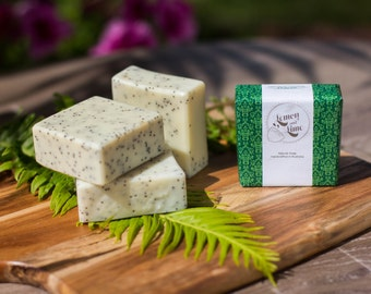 Handmade natural Olive oil Soap - Lemongrass, lemon myrthe essential oil and Poppy seeds