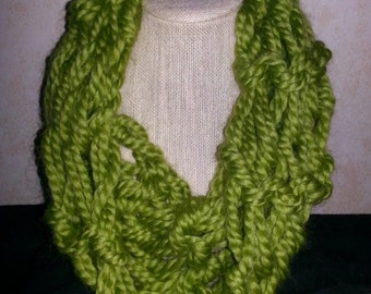 Hand knit cowl, green cowl, chunky cowl, hand knit scarf, chunky scarf, green scarf