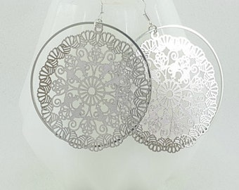 Creoles silver lace