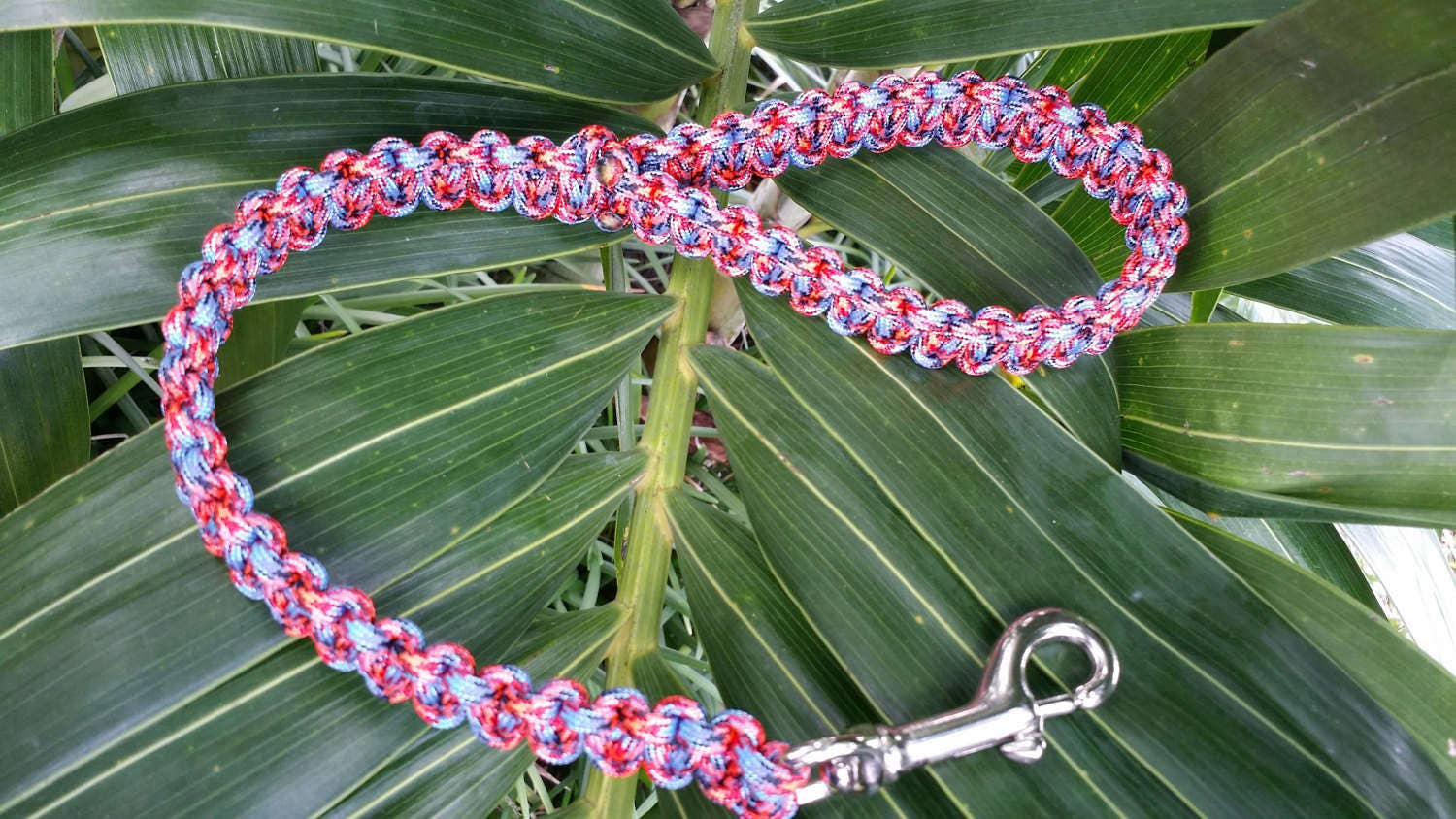 how to make a dog lead out of paracord