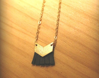 Little black tash chevron necklace