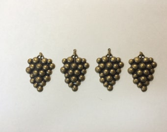 Brass Stamping - Antique Brass Grape Clusters - Set of 4