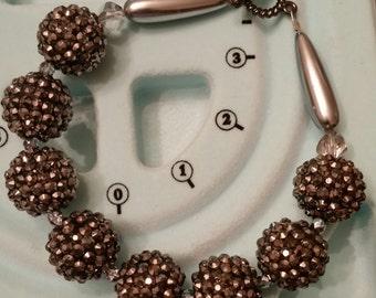 Bracelet in metallic gray