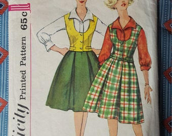 Simplicity 4027 1961 Size 14 Bust 34 blouse, skirt & weskit pattern