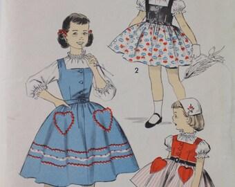 Little Girls Sewing Dress Pattern ~ ADVANCE 8221 Size 4