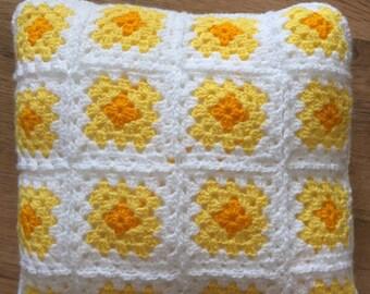 Crochet Daffodil Cushion