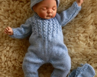 Tiny in blue - knitting pattern