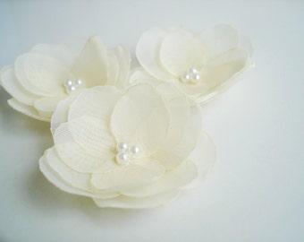 Cream Hair Flowers, Small Cream Flower Hair Pins , Wedding Hair Accessories,  Pearl Wedding Hair Pin, Bridal  Headpiece, Cream Hair Clip